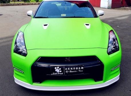 lime-green Nissan GTR